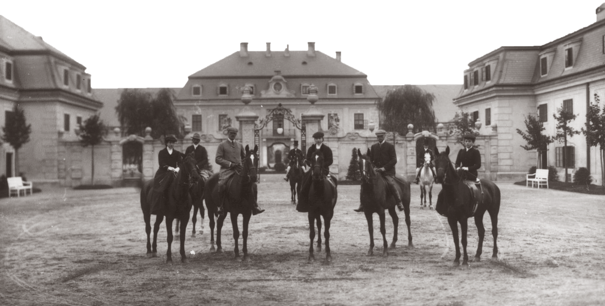 Nobility on horses in front of their estate in 1905