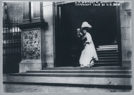 Gladys Vanderbilt and Lászlo Széchenyi descending a buildin't stairs after their wedding