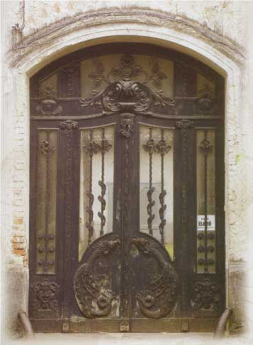 Wrought iron door by Béla Hikman