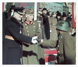 Horthy honoring returning soldiers during the Hungarian re-occupation of Transylvania
