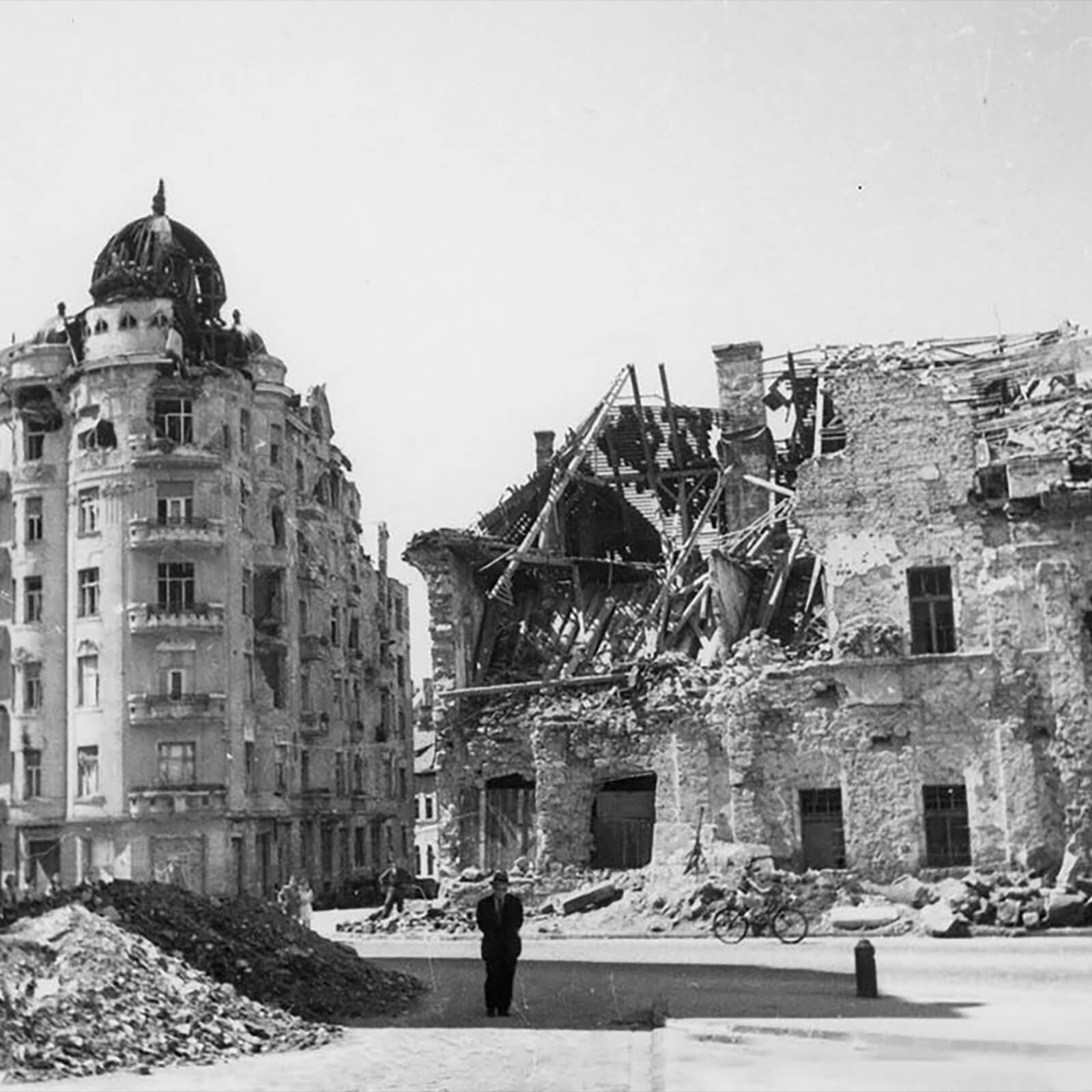 Bombed Budapest buildings in 1944