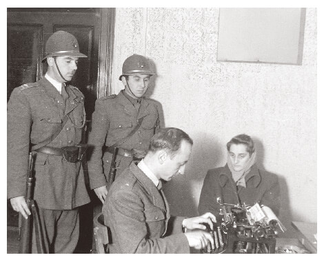 Police interrogation during the Rákosi era
