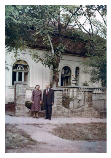 Pista and Gizi in front of their Keszthely house